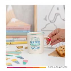 Taza El profe que bebe en esta taza...
