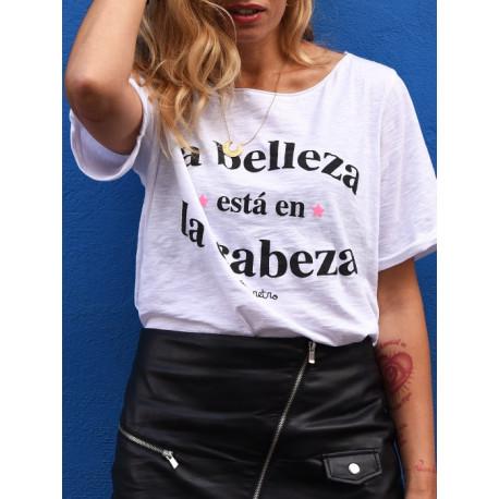 Camiseta chica La belleza está en la cabeza T.U