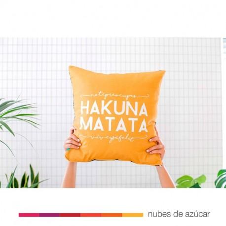 Cojín UO* Hakuna Matata
